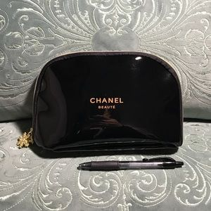 Medium Chanel VIP Gift Makeup Bag